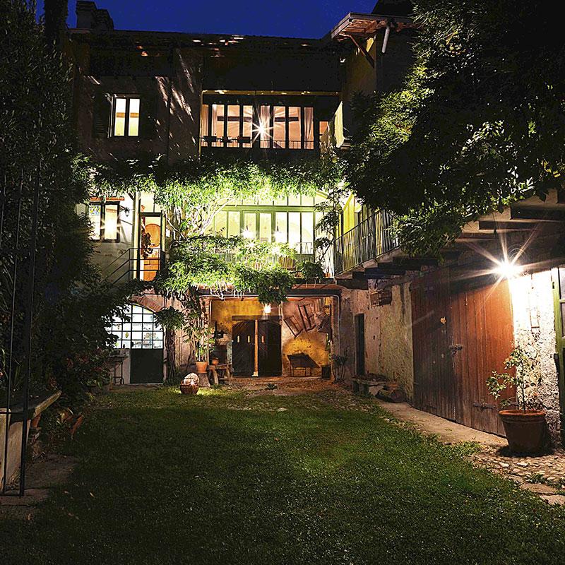 yard_night